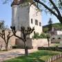 Le donjon de Cravant, village médiéval au bord du canal du Nivernais)