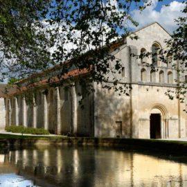 L'abbaye de Fontenay, canal de Bourgogne à vélo