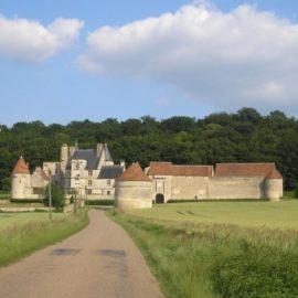 chateau Faulin canal nivernais vélo