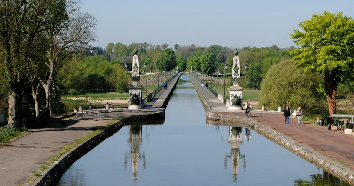 Pont-canal de Briare dans le Loiret
