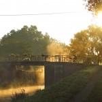 Levé de soleil au bord du canal de Bourgogne