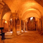 Les cryptes de la basilique à Vézelay, proche du canal du Nivernais
