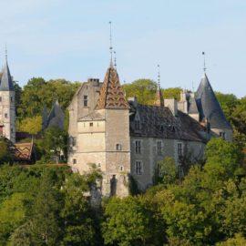 chateau-de-la-rochepot-beaune-a-velo