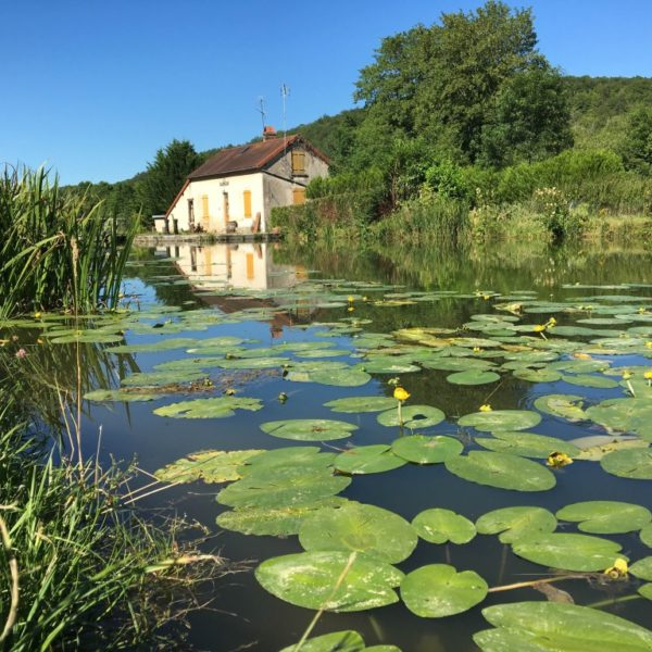canal-de-bourgogne-velo-maison-eclusiere-vallee