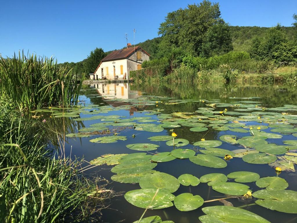 Maison éclusière, canal de Bourgogne