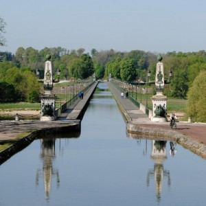 pont-canal-briare-loire-a-velo
