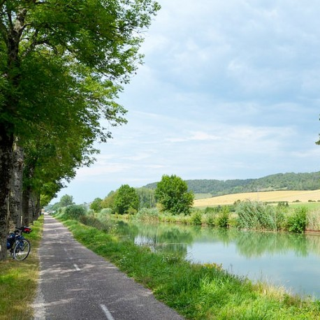 canal-champagne-bourgogne-velo