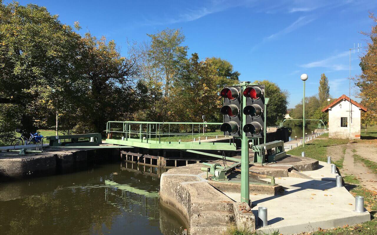 Ecluse automatique du Canal du centre