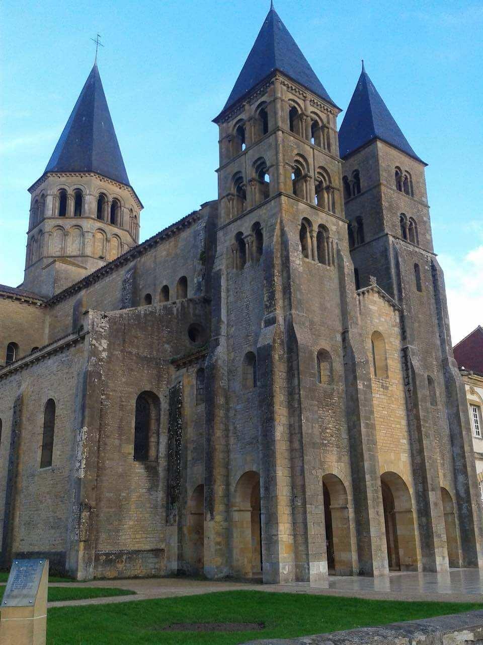 Basilique du Sacré Coeur à Paray-le-Monial, canal du centre